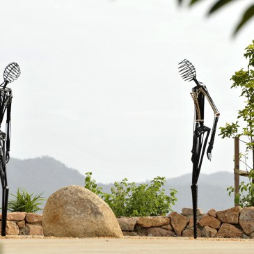 amanda_feher_sculpture_public_art_painted_steel_gabul_ceremonies_3